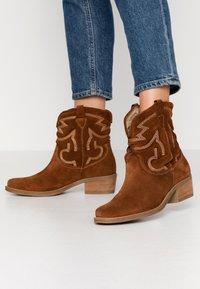 Tamaris - BOOTS - Cowboy/biker ankle boot - cognac - 0