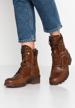 Šněrovací kotníkové boty - maroon