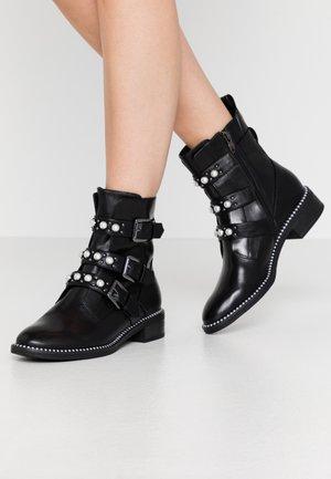 WOMS BOOTS - Kovbojské/motorkářské boty - black