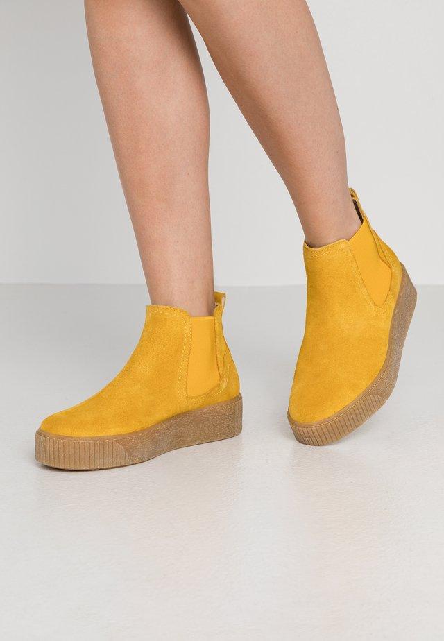 Korte laarzen - saffron