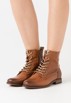 WOMS  - Lace-up ankle boots - nut