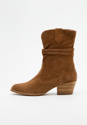 BOOTS - Cowboy/biker ankle boot - tobacco
