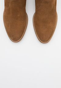 Tamaris - BOOTS - Cowboy/biker ankle boot - tobacco - 5