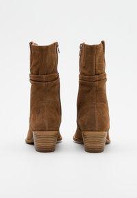 Tamaris - BOOTS - Cowboy/biker ankle boot - tobacco - 3