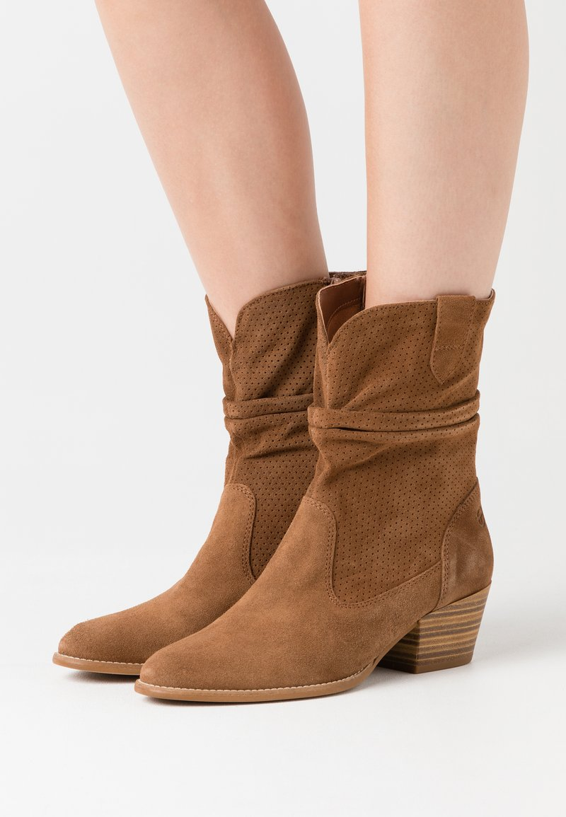 Tamaris - BOOTS - Cowboy/biker ankle boot - tobacco