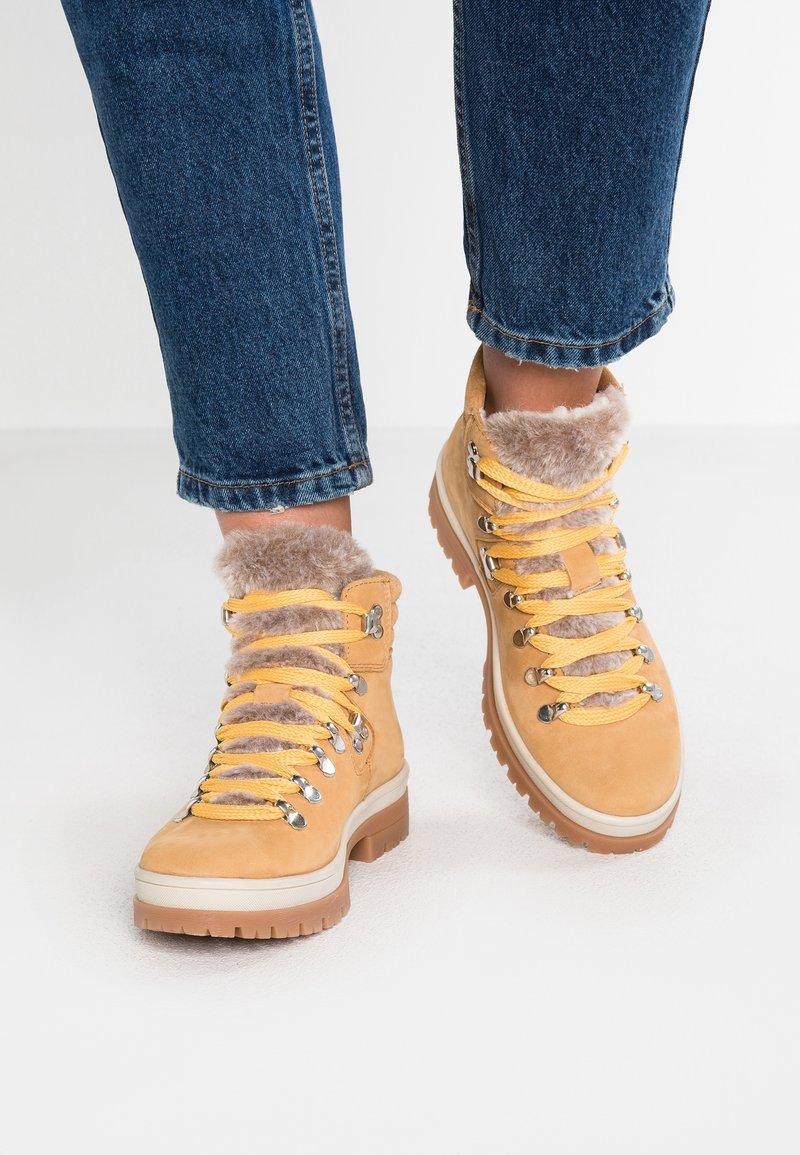 Tamaris - Ankle boots - corn