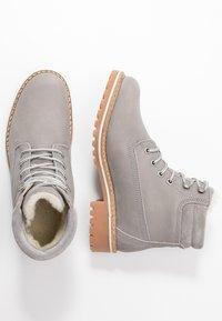 Tamaris - Šněrovací kotníkové boty - light grey - 3