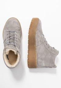 Tamaris - Platform ankle boots - light grey - 3