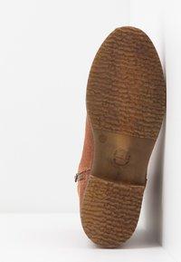 Tamaris - Kotníkové boty - cognac - 6