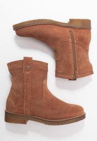 Tamaris - Kotníkové boty - cognac - 3