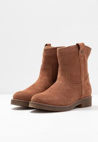 Tamaris - Kotníkové boty - cognac - 4