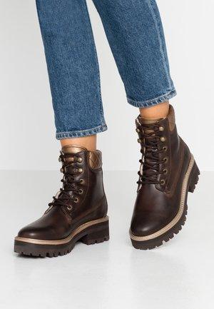 Kotníkové boty na platformě - mocca