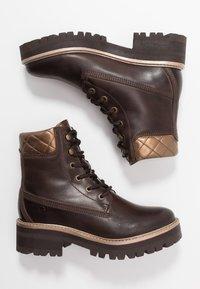 Tamaris - Kotníkové boty na platformě - mocca - 3