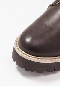 Tamaris - Kotníkové boty na platformě - mocca - 2