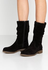 Tamaris - Høje støvler/ Støvler - black - 0
