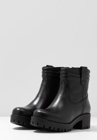 Tamaris - Bottines à plateau - black - 4