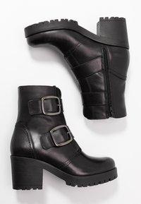 Tamaris - Cowboystøvletter - black - 3