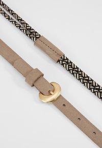 Tamaris - Belt - black/white - 4