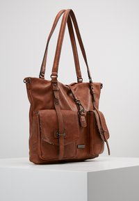 Tamaris - BERNADETTE - Shopping Bag - cognac - 3