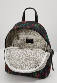 Tamaris - VOLMA BACKPACK - Reppu - black/comb - 4