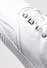 adidas Golf - ADICROSS PPF - Scarpe da golf - footwear white/silver metallic - 5