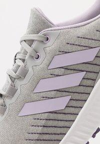 adidas Golf - RESPONSE BOUNCE 2 SL - Golfové boty - footwear white/purple tint/grey two - 5
