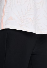 adidas Golf - ULTIMATE STRIPE SLEEVELESS  - Camiseta de deporte - white/glow pink - 5