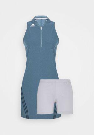 3 STRIPE DRESS - Sportovní šaty - legacy blue