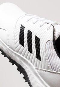 adidas Golf - TRAXION - Golfové boty - footwear white/core black/grey six - 5