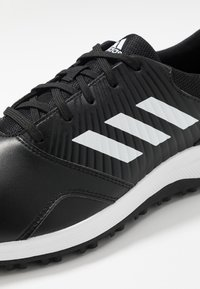 adidas Golf - TRAXION - Golfsko - core black/footwear white/silver metallic - 5