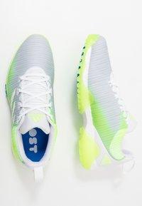 adidas Golf - CODECHAOS - Golfové boty - footwear white/signal green/glory blue - 1