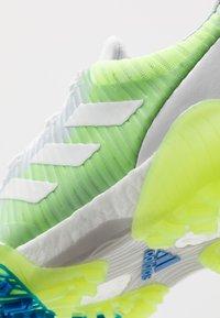 adidas Golf - CODECHAOS - Golfové boty - footwear white/signal green/glory blue - 5