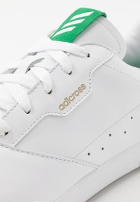adidas Golf - ADICROSS RETRO - Golfové boty - footwear white/green - 5