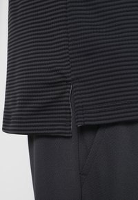 adidas Golf - CLIMACHILL TONAL STRIPE - T-shirt sportiva - black - 3