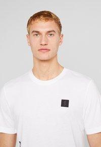 adidas Golf - T-shirt imprimé - white - 3