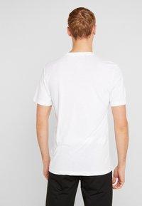 adidas Golf - T-shirt imprimé - white - 2