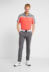 adidas Golf - Polotričko - real coral/grey four melange - 1