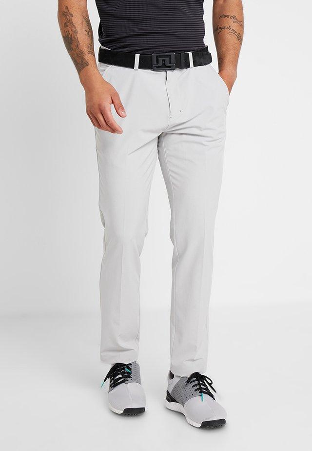 TAPERED PANTS - Chino kalhoty - grey