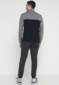adidas Golf - ADICROSS RANGE JOGGER PANTS - Tracksuit bottoms - carbon - 2