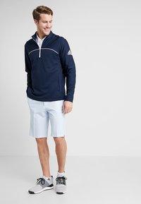 adidas Golf - STRIPE - Short de sport - glow blue - 1