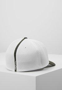 adidas Golf - TOUR HAT - Cap - legend earth - 2