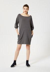 Talence - Day dress - graphite - 1