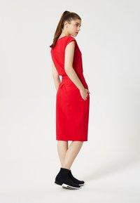 Talence - Shift dress - rouge - 2