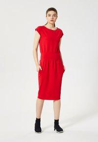 Talence - Shift dress - rouge - 0