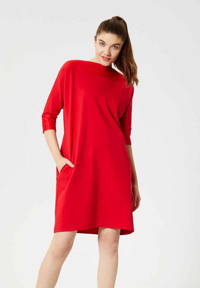 ROBE - Jersey dress - rouge