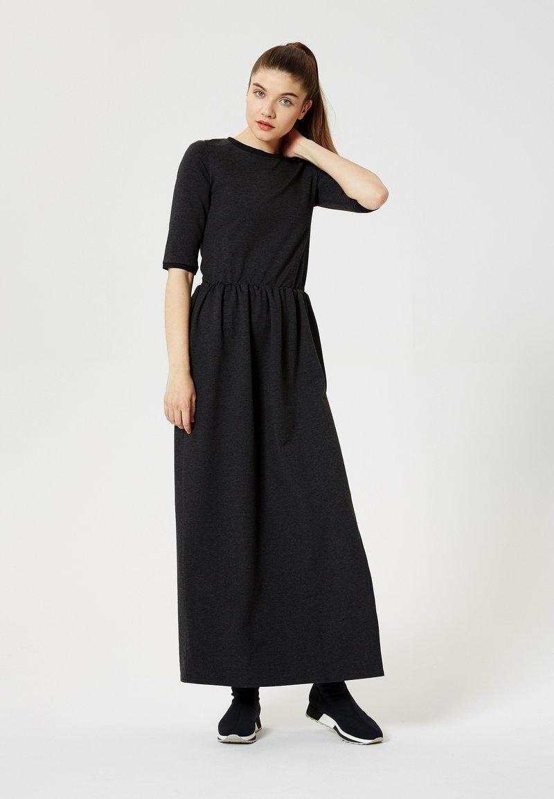 Talence - Maxi dress - grey