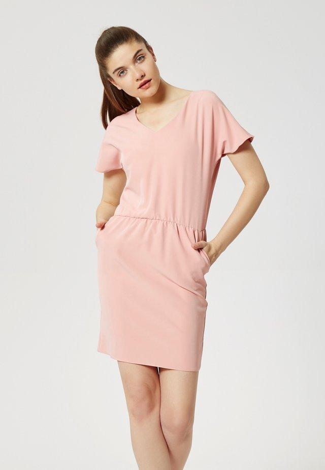 Sukienka letnia - dreckiges pink