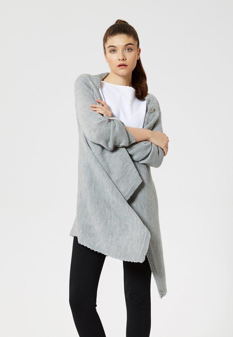 Talence - Cardigan - gris