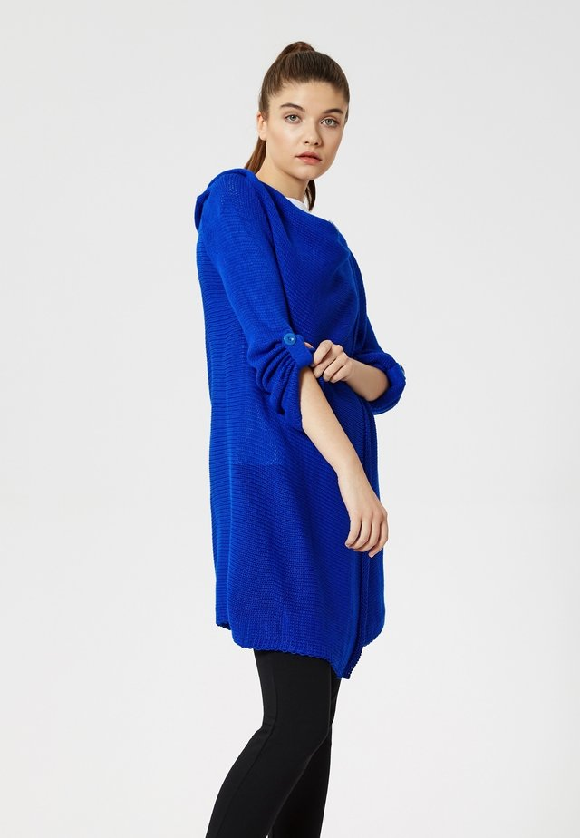 Cardigan - bleu barbeau