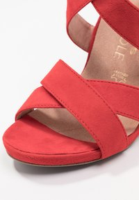 Tamaris Heart & Sole - Korolliset sandaalit - red - 2